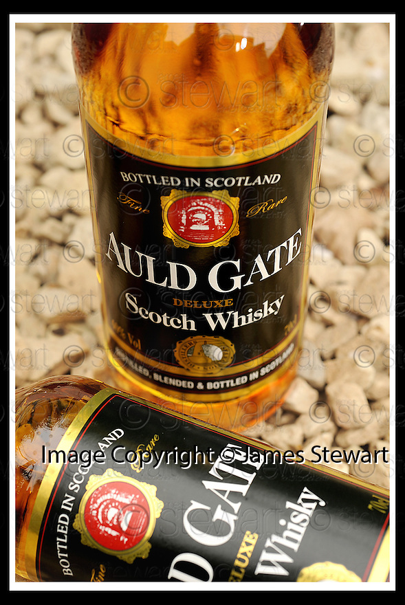 06/05/2009  Copyright  Pic : James Stewart.Auld_Gate_03.GLASGOW WHISKY COMPANY.AULD GATE.James Stewart Photography 19 Carronlea Drive, Falkirk. FK2 8DN      Vat Reg No. 607 6932 25.Telephone      : +44 (0)1324 570291 .Mobile              : +44 (0)7721 416997.E-mail  :  jim@jspa.co.uk.If you require further information then contact Jim Stewart on any of the numbers above.........