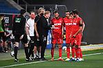 Trainer Markus Gisdol (1. FC Koeln) gibt seinen Spieler Taktikanweisungen.<br /> <br /> Sport: Fussball: 1. Bundesliga: Saison 19/20: 28. Spieltag: TSG 1899 Hoffenheim - 1. FC Koeln, 27.05.2020<br /> <br /> Foto: Markus Gilliar/GES/POOL/PIX-Sportfotos.<br /> <br /> Nur für journalistische Zwecke! Only for editorial use!<br /> <br /> Gemäß den Vorgaben der DFL Deutsche Fußball Liga ist es untersagt, in dem Stadion und/oder vom Spiel angefertigte Fotoaufnahmen in Form von Sequenzbildern und/oder videoähnlichen Fotostrecken zu verwerten bzw. verwerten zu lassen. DFL regulations prohibit any use of photographs as image sequences and/or quasi-video.