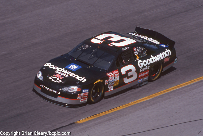 Dale Earnhardt , action, Daytona 500, Daytona International Speedway, Daytona Beach, FL, February 18, 2001.  (Photo by Brian Cleary/ www.bcpix.com )