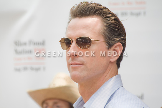 "San Francisco Mayor Gavin Newsom at Community Planting Day (July 12, 2008) of the Slow Food Nation Victory Garden at San Francisco's Civic Center. The garden project ""demonstrates the potential of a truly local agriculture practice that unites and promotes Bay Area urban gardening organizations, while producing high quality food for those in need.""* The garden is planted on the same site as the post-World War II garden sixty years ago. The food will be grown over a period of two months, harvested, and donated to people in need..*slowfoodnation.org"