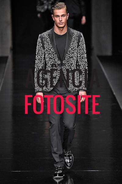 John Richmond<br /> Milao Masculino- Inverno 2015<br /> <br /> <br /> foto: FOTOSITE