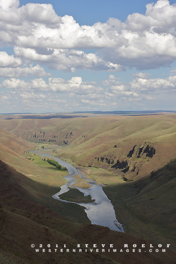 Looking down the John Day River canyon from above.