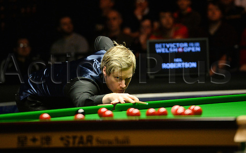 19.02.2016. Cardiff Arena, Cardiff, Wales. Bet Victor Welsh Open Snooker. Neil Robertson versus Ding Junhui. Neil Robertson surveys the table.