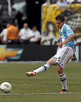 Argentina midfielder Fernando Gago (5) passes the ball. In an international friendly (Clash of Titans), Argentina defeated Brazil, 4-3, at MetLife Stadium on June 9, 2012.