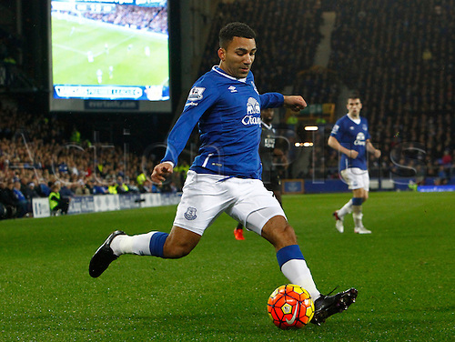 19.12.2015. Goodison Park, Liverpool, England. Barclays Premier League. Everton versus Leicester City. Everton's Aaron Lennon on the ball.