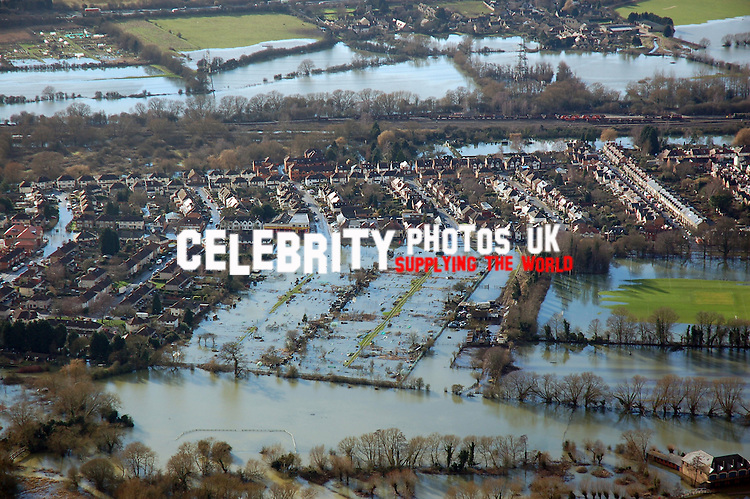 OIC - ENTSIMAGES.COM - Oxford  flooding from the air  Lee Ingram<br /> www.airexperiences.co.uk/OIC 0203 1741069