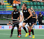 The Hague, Netherlands, June 08: Alex Shaw #19 of New Zealand in action during the field hockey group match (Men - Group B) between the Black Sticks of New Zealand and Germany on June 8, 2014 during the World Cup 2014 at Kyocera Stadium in The Hague, Netherlands.  Final score 3-5 (1-3) (Photo by Dirk Markgraf / www.265-images.com) *** Local caption *** Jared Panchia #14 of New Zealand, Jan Philipp Rabente #14 of Germany,Alex Shaw #19 of New Zealand