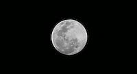 SALVADOR, BA, 22 JUNHO 2013 - LUA CHEIA SALVADOR - Lua cheia é vista a partir da cidade de Salvador capital da Bahia na noite deste sábado, 22 (Foto: William Volcov / Brazil Photo Press)