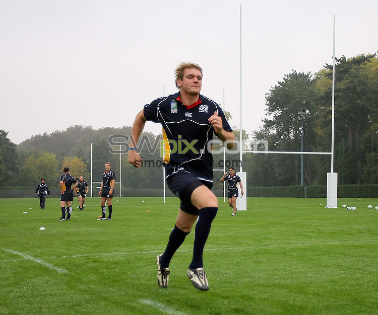 PICTURE BY VAUGHN RIDLEY/SWPIX.COM - Rugby Union - Rugby World Cup 2007 - Scotland - Paris, France - 02/10/07...Copyright - Simon Wilkinson - 07811267706..Scotland's Scott MacLeod takes part in  a Speed Work drill.