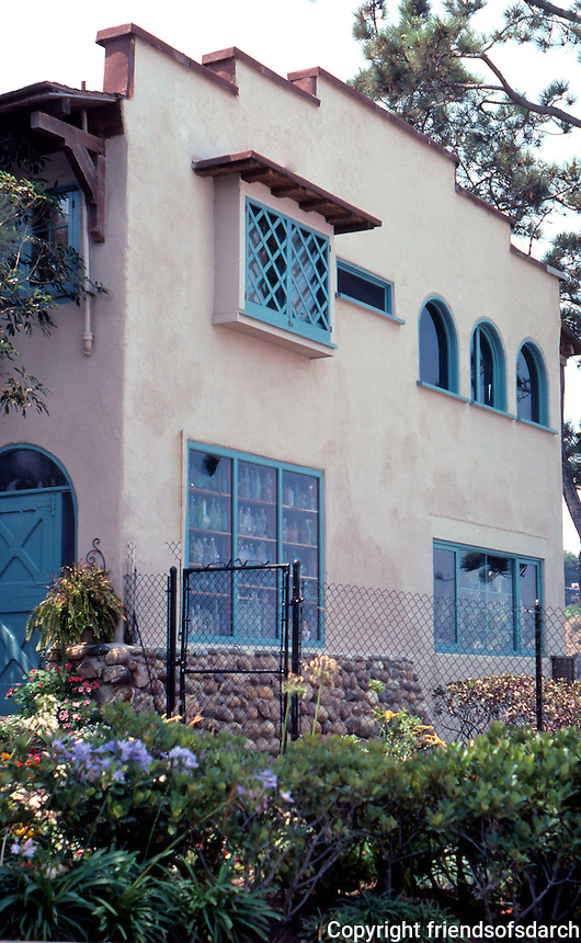 Irving Gill: Bailey Residence, La Jolla, 1907. The North-facing side of the house. (Photo 2000)