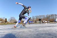 SCHAATSEN: Natuurijs: Kortebaan, Ulesprong, 02-02-2012, Freddy Wennemars, ©foto Martin de Jong