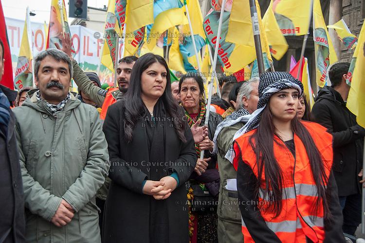 Milano, corteo per chiedere la liberazione del leader del Pkk, Abdullah Ocalan, in carcere dal 1999. da sinistra,  Mahmut Sakar avvocato di Ocalan, Dilek Ocalan nipote di Ocalan.<br /> Milan, march to demand the release of PKK leader Abdullah Ocalan, in prison since 1999. from left, Mahmut Sakar Ocalan lawyer, Ocalan niece Dilek &Ouml;calan.<br /> Feb 11,2017