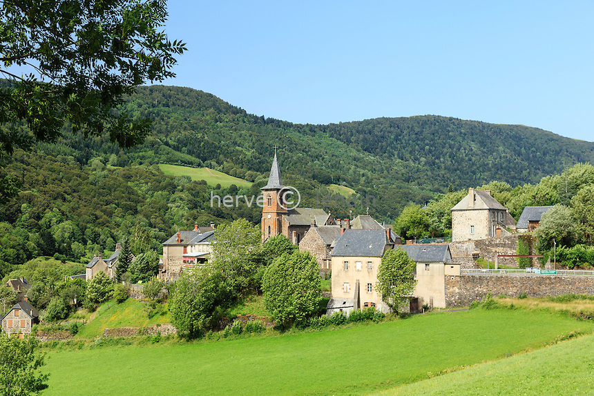France, Cantal (15), vallée du Mars, le Falgoux, le village // France, Cantal, Mars valley, the Falgoux, the village