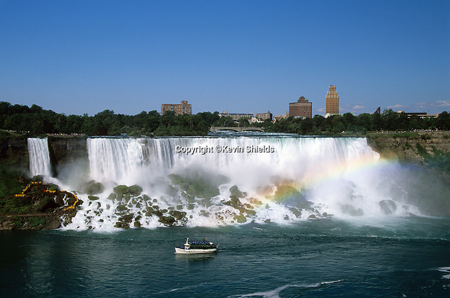 View of the American Falls, Niagra Falls, New York, USA