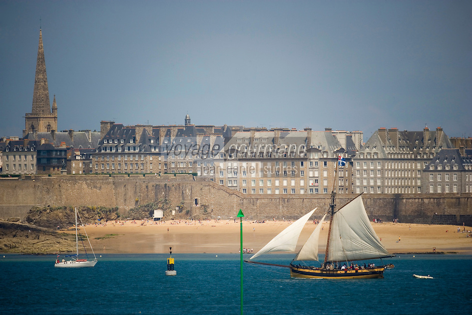 Europe/France/Bretagne/35/Ille et Vilaine/Saint-Malo: La cité close,intramuros et le vieux grément le Renard