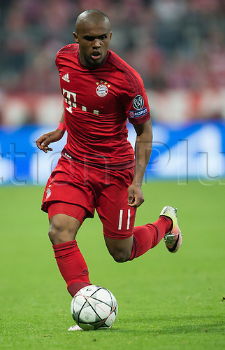 05.04.2016. Munich, Germany.  Munich's Douglas Costa in action during the Champions League quarter finals first leg soccer match between Bayern Munich and S.L. Benfica at Allianz Arena