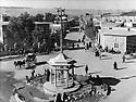 Iraq 1939 .Suleimania: In Manlawi street   .Irak 1939 .A Souleimania, caleche dans la rue Manlawi