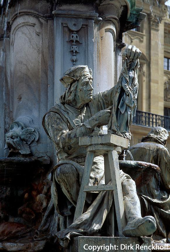 Deutschland, Bayern, Brunnen vor der Residenz in Würzburg, Unesco-Weltkulturerbe