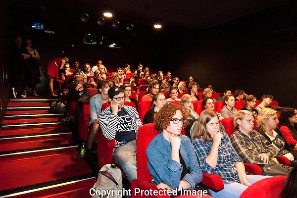 Tijdens het Nederlands Film Festival serveert CJP voor CJP-leden het beste van het NFF. Topfilms, bitterballen, bier en Q&A's met bekende filmmakers.Foto: Nichon Glerum.Utrecht, 26 sept - 4 okt 2012.Nederlands Film Festval 2012, NFF.2012, NFF12.