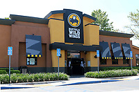 LOS ANGELES - APR 11:  Buffalo Wild Wings Resturant and Signage at the Businesses reacting to COVID-19 at the Hospitality Lane on April 11, 2020 in San Bernardino, CA