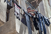 Hanging out the wash, Centro Habana