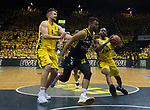 """09.06.2019, EWE Arena, Oldenburg, GER, easy Credit-BBL, Playoffs, HF Spiel 3, EWE Baskets Oldenburg vs ALBA Berlin, im Bild<br /> Rashid MAHALBASIC (EWE Baskets Oldenburg #24 ) Johannes TIEMANN (ALBA Berlin #32 ) William""""Will"""" CUMMINGS (EWE Baskets Oldenburg #3 )<br /> <br /> Foto © nordphoto / Rojahn"""