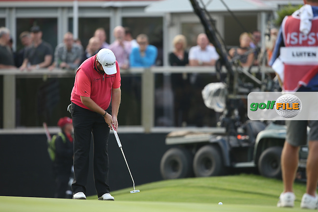 Shane Lowry (IRL) misses birdie on the last during Round Three of the ISPS Handa Wales Open 2014 from the Celtic Manor Resort, Newport, South Wales. Picture:  David Lloyd / www.golffile.ie