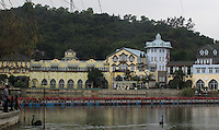 20120117 CHINA GUANGDONG PROVINCE : A general view of Interlaken, China's copy of the Swiss alpine town of the same name, part of the 'OCT East' resort and property development, Shenzhen, Guangdong Province, China, 17 January 2012. Property developments such as this are running into financial difficulites in 2012 as the Chinese economy and property market continue to cool, in reaction to the ongoing sovereign debt crisis in Europe.<br /> SINOPIX / ALEX HOFFORD