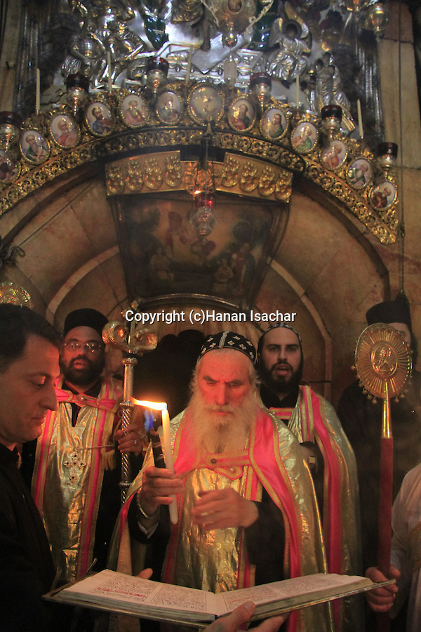 Easter, Syrian Orthodox ceremony at the Church of the Holy Sepulchre on Holy Saturday