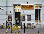Kraków 2019-09-12. Cytat Cafe kawiarnia na rogu ulicy Miodowej i Estery na Krakowskim Kazimierzu.