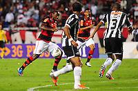 ATENCAO EDITOR: FOTO EMBARGADA PARA VEÍCULOS INTERNACIONAIS. - RIO DE JANEIRO, RJ, 26 DE SETEMBRO DE 2012 - CAMPEONATO BRASILEIRO - FLAMENGO X ATLETICO MG - Vagner Love, jogador do Flamengo, durante partida contra o Atletico MG, pela 14a rodada do Campeonato Brasileiro, no Stadium Rio (Engenhao), na cidade do Rio de Janeiro, nesta quarta, 26. FOTO BRUNO TURANO BRAZIL PHOTO PRESS