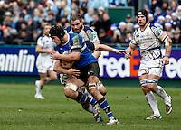 Photo: Richard Lane/Richard Lane Photography. Bath Rugby v Leinster. Heineken Cup. 11/12/2011. Bath's Simon Taylor attacks.