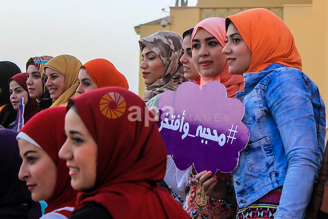 Egyptian girls take part in a competition hijab queen, in Cairo, on March 19, 2016. Photo by Amr Sayed