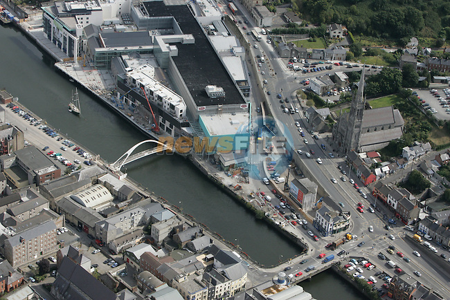 Aerial photo of Drogheda showing North Quay, looking South East with Scotch Hall and St. Mary's Church in view. 02/09/05...Photo NEWSFILE/Fran Caffrey.(Photo credit should read Fran Caffrey/NEWSFILE)....This Picture has been sent you under the condtions enclosed by:.Newsfile Ltd..The Studio,.Millmount Abbey,.Drogheda,.Co Meath..Ireland..Tel: +353(0)41-9871240.Fax: +353(0)41-9871260.GSM: +353(0)86-2500958.email: pictures@newsfile.ie.www.newsfile.ie.FTP: 193.120.102.198...This picture is from Fran Caffrey@newsfile.ie