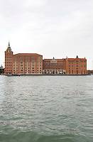 La facciata dell'hotel Hilton Molino Stucky vista dal Canale della Giudecca, a Venezia.<br /> The facade of the Hilton Molino Stucky hotel, seen from the GIudecca canal, in Venice.<br /> UPDATE IMAGES PRESS/Riccardo De Luca