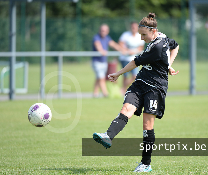 20150801 - WESTKAPELLE , BELGIUM : Gent's Emma Van Britsom pictured during a friendly soccer match with the women team of AA Gent Ladies , during the preparation for the 2015-2016 SUPERLEAGUE season, Saturday 1 August 2015 . PHOTO DAVID CATRY