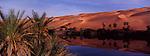 Ouvert au tourisme depuis peu, le désert libyen offre des paysages sublimes. Le massif dunaire d'Oubari est l'un des plus beaux du Sahara. Au milieu des dunes, des sources souterraines ont créé sept lacs entourés de palmiers et de roseaux. Les Daouda, population sédentaire vit sur les bords de ces lacs. Lac d'Oum el Ma, dans l'erg D'oubari, région du Fezzan en Libye