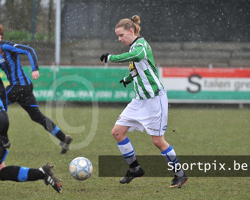 Club Brugge Dames - PEC Zwolle : Jennieke van der Pol aan de bal.foto DAVID CATRY / Vrouwenteam.be