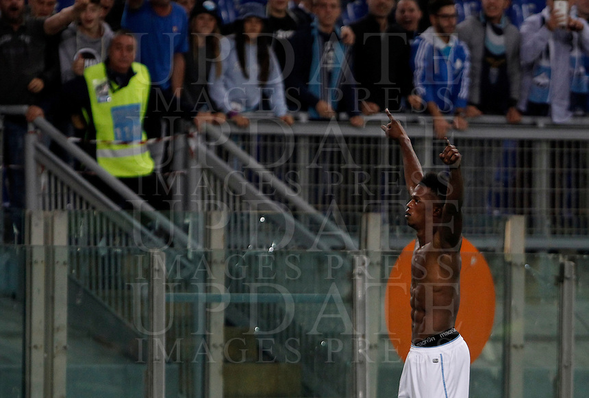 Calcio, Serie A: Lazio vs Frosinone. Roma, stadio Olimpico, 4 ottobre 2015.<br /> Lazio&rsquo;s Keita Diao celebrates after scoring during the Italian Serie A football match between Lazio and Frosinone at Rome's Olympic stadium, 4 October 2015.<br /> UPDATE IMAGES PRESS/Isabella Bonotto