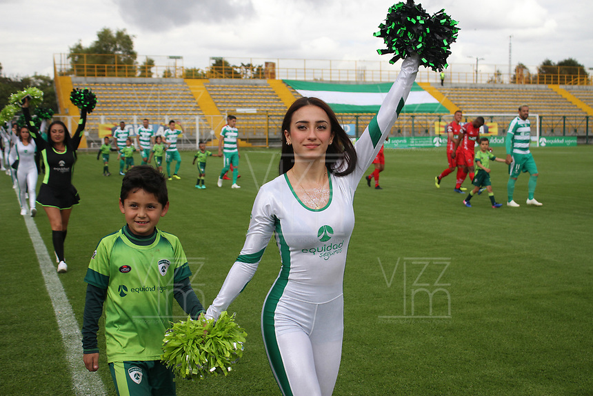 BOGOTÁ - COLOMBIA, 28-10-2018:Porristas de  La Equidad durante el encuentro contra  Patriotas Boyacá  fecha 17 de la Liga Águila II 2018 jugado en el estadio Metropolitano de Techo de la ciudad de Bogotá. /Cheerleaders  of La Equidad during match agaisnt  of Patriotas Boyaca for the date 17 of the Liga Aguila II 2018 played at the Metropolitano de Techo Stadium in Bogota city. Photo: VizzorImage / Felipe Caicedo / Staff.