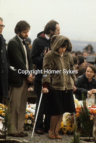 Bernadette Devlin also know as Bernadette McAliskey, Northern Ireland at hunger striker Francis Hughes funeral 1981 Uk . The Troubles.