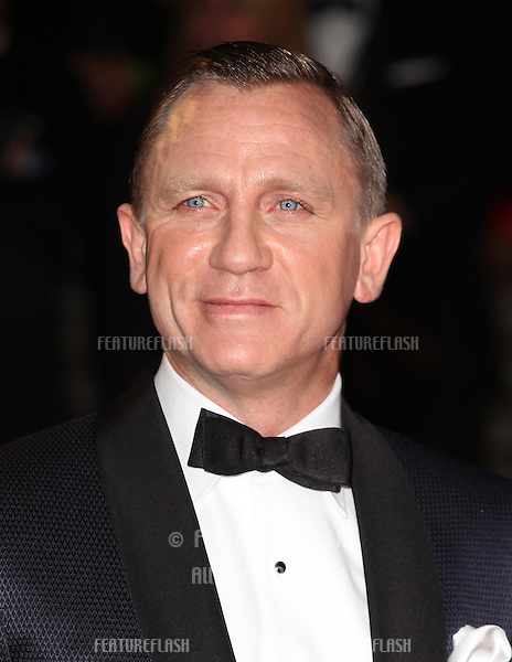 Daniel Craig arriving for the Royal World Premiere of 'Skyfall' at Royal Albert Hall, London. 23/10/2012 Picture by: Alexandra Glen / Featureflash