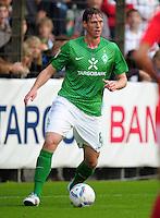 FUSSBALL   1. BUNDESLIGA   SAISON 2011/2012   TESTSPIEL SV Werder Bremen - Olympiakos Piraeus             26.07.2011 Tim BOROWSKI (SV Werder Bremen) Einzelaktion am Ball