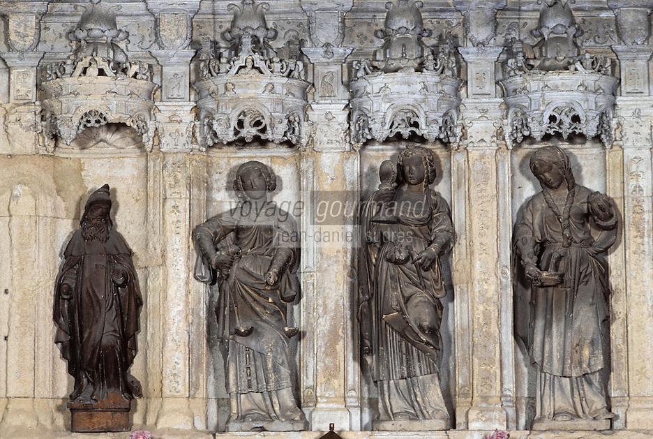 Europe/France/Auvergne/63/Puy-de-Dôme/Vic-le-Comte: La Sainte Chapelle - Détail du retable en pierre datant de 1520