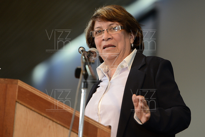 "BOGOTÁ -COLOMBIA. 10-10-2014. Aida Abella, presidenta de la UP, interviene durante el encuentro por la ""Dignidad de las Víctimas del Genocidio contra La UP"" realizado hoy, 10 de octuber de 2014, en la ciudad de Bogotá./ Aida Abella, president of the UP, in her speech during the meeting for the ""Dignity of Victims of Genocide against The UP"" took place today, October 10 2014, at Bogota city. Photo: Reiniciar /VizzorImage/ Gabriel Aponte<br />