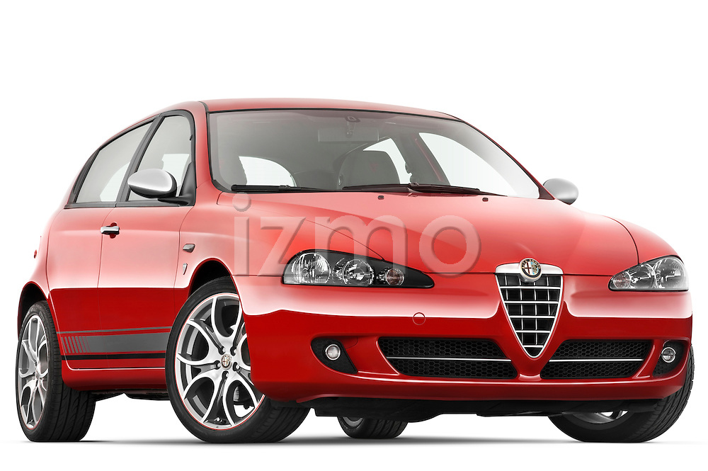 Low aggressive passenger side front three quarter view of a 2000 - 2010 Alfa Romeo 147 5 Door Ducati Corse Hatchback.