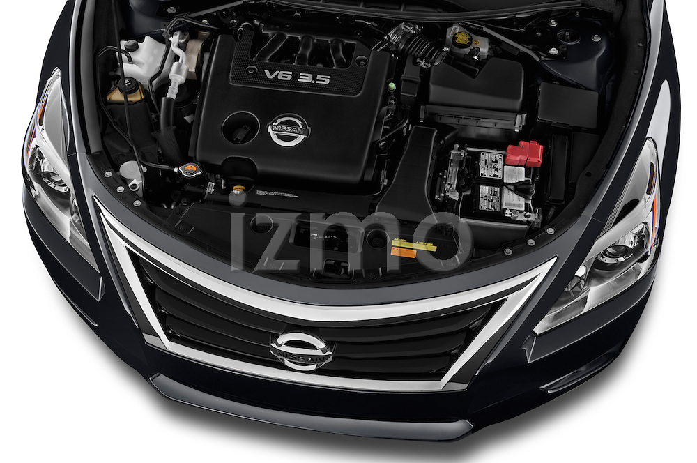 High angle engine detail of a  .2013 Nissan Altima SL