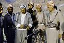 Irak 1985.Dans les zones libérées, région de Lolan, Dr. Said Barzani avec ses peshmergas.Iraq 1985.In liberated areas, Lolan district, Dr. Said Barzani with his peshmergas