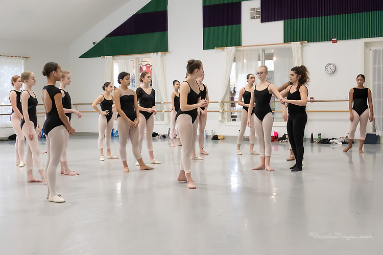Maria Konrad Master Class for Advanced  Dancers Age 14 and Up. Cary Ballet Conservatory 30 Sept 2019.