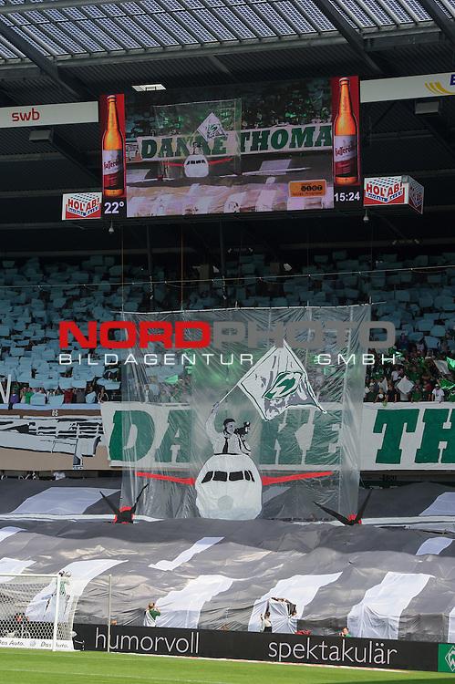 17.08.2013, Weser Stadion, Bremen, GER, 1.FBL, Werder Bremen vs FC Augsburg, im Bild<br /> <br /> Dank an Thomas Schaaf von den Fans Coriografie<br /> Foto &not;&copy; nph / Kokenge *** Local Caption ***